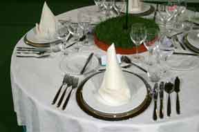 Review Places to Eat in Fife - table setting