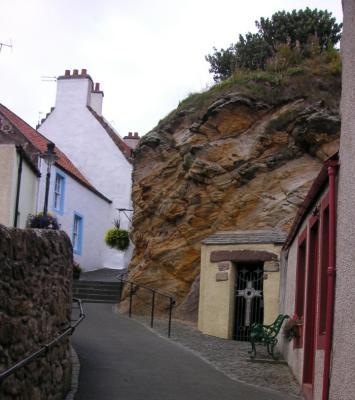 St  Fillan's cave Pittenweem